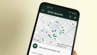 WhatsApp también permite enviar la ubicación a un contacto.