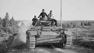 Panzer alemán avanzando hacia el frente en 1941