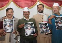 An uneasy calm in AAP: Fragile truce may break as Yadav, Bhushan test support