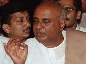 Hooking prize catches: Will Deve Gowda's gamble work in Karnataka?