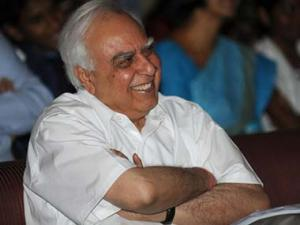 Kapil Sibal to contest from Chandni Chowk even if Kejriwal is in fray