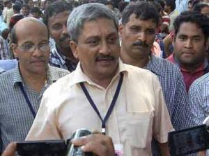 Most news channels are back by Congress, says Parrikar