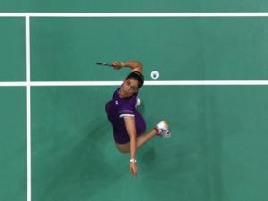 Saina slips to 9th in badminton world rankings