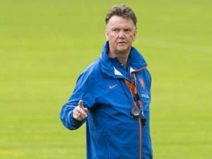Man United officially appoint Louis van Gaal as manager