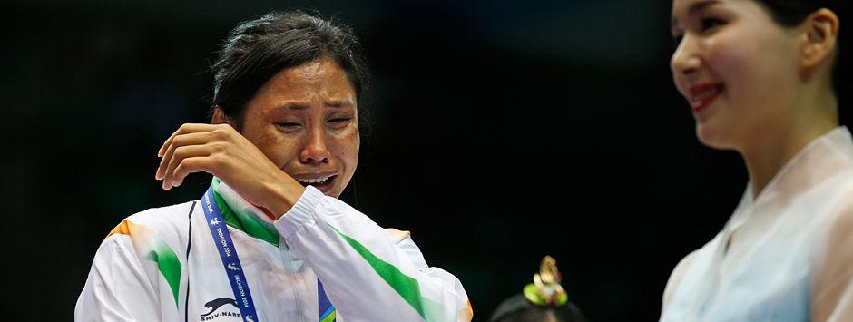AIBA suspends Sarita Devi for Asian Games protest; boxer to miss world championships
