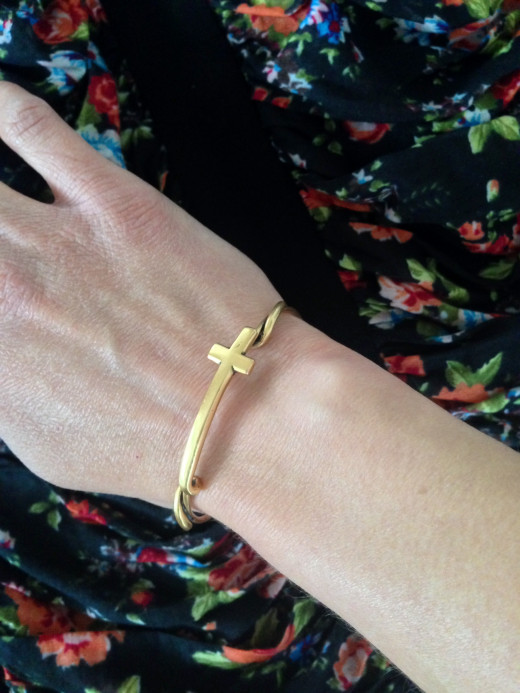 This fabulous Alex and Ani cross wrap bracelet is the perfect touch to a busier outfit!