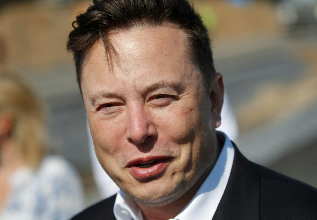 Last May, Tesla boss Elon Musk announced he planned to sell almost all physical possessions, including his LA homes