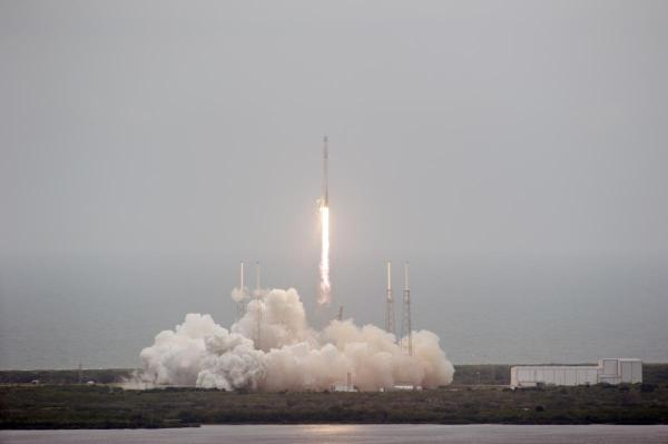 SpaceX Falcon 9 Successfully Splashes Down In Atlantic Ocean Following Dragon