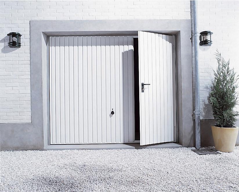 Porte De Garage Basculante Avec Portillon Au Meilleur Prix Leroy Merlin