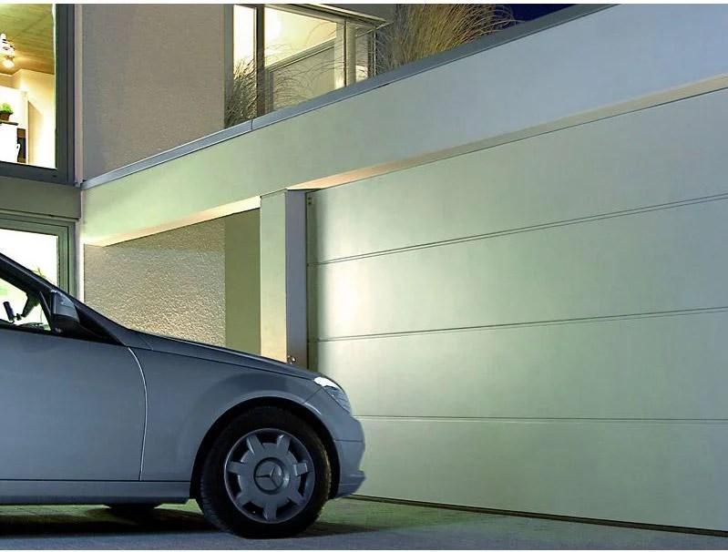 Porte De Garage Coulissante Aluminium Motorisee Au Meilleur Prix Leroy Merlin