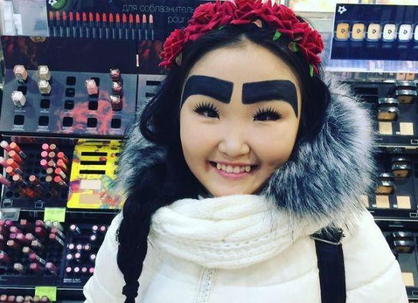 Девушка из Якутии зарабатывает в Instagram с помощью