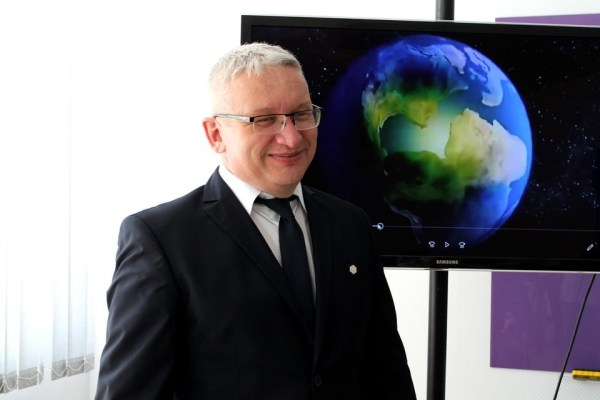 Педагог из Ноябрьска стал Заслуженным учителем РФ