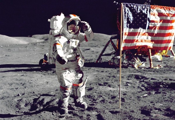 7 Modern Lessons From The Apollo Moon Landing - Rise Up ...