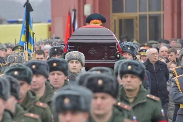 Под мокрым снегом умирающей зимы на федеральном мемориальном кладбище хоронили последнего маршала Советского Союза Дмитрия Тимофеевича Язова.