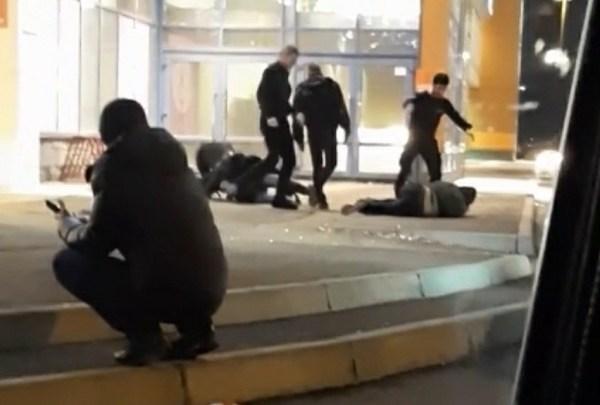 В Красноярске охранники ТРЦ Июнь подрались с посетителями