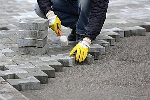 how to lay patio pavers on dirt dirt