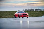 Jaguar_XE_300_Sport_Edition_6