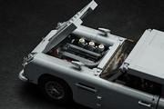 Aston_Martin_DB5_by_Lego_40