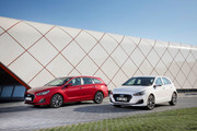 2019_Hyundai_i30_range_2