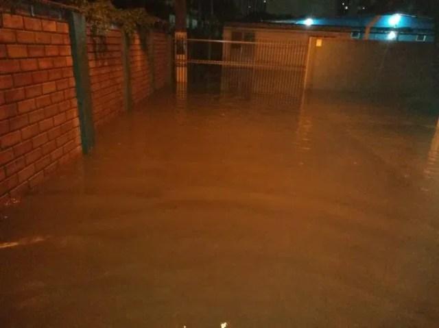 Chuva atinge Joinville  — Foto: Ramon Bernardo Guimarães