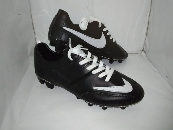 Sepatu Bola Kulit Asli Nike Black