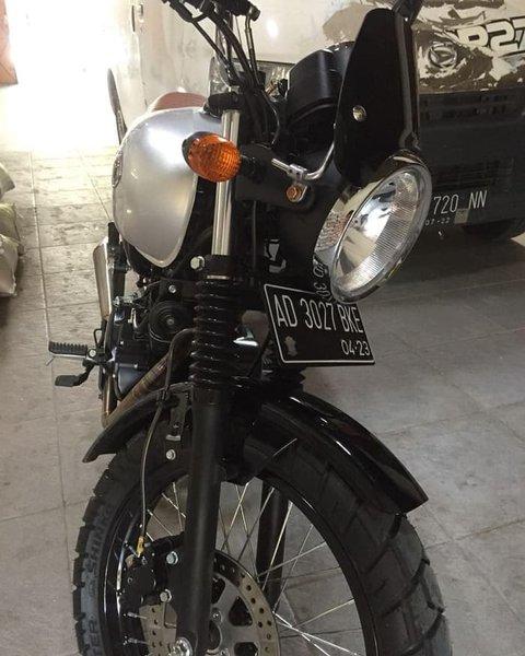 Kawasaki W175 Dudukan Bracket Braket Plat Nomor by Street Fender