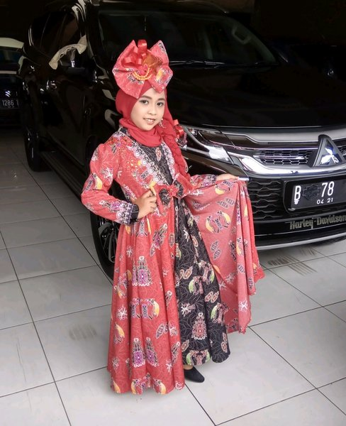 Dress pesta muslim anak orange batik sett