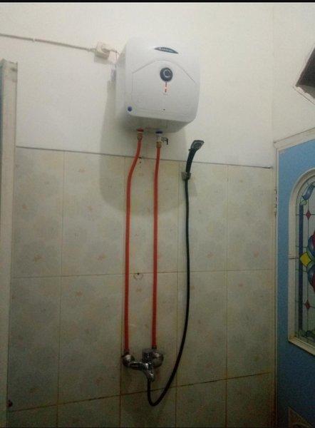 Kamar Mandi Lainnya perlengkapan Instalasi luar water heater listik  atau  pemanas air