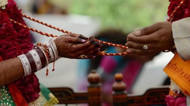 Na Índia, os casamentos são considerados sagrados. — Foto: Getty Images via BBC