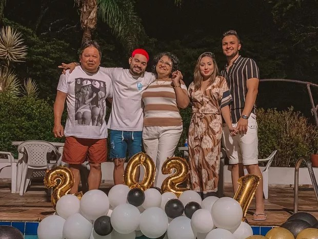 Yudi with parents, sister and brother-in-law in the New Year (Photo: Reproduction / Instagram)