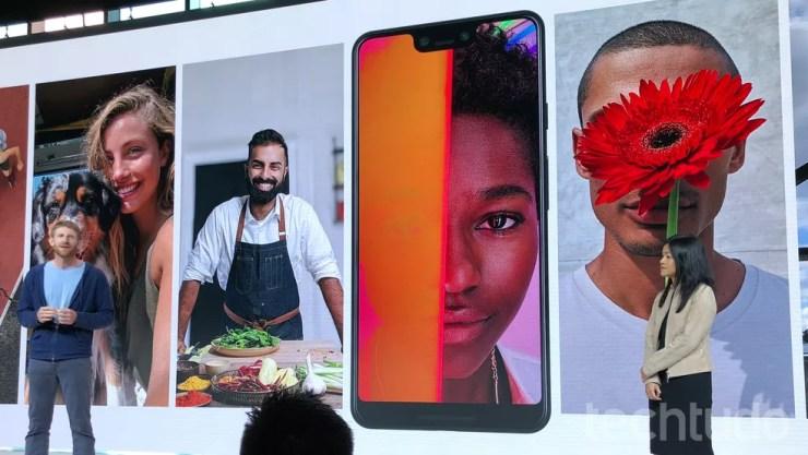 Google Pixel 3 tem câmera com inteligência artificial — Foto: Thássius Veloso/TechTudo
