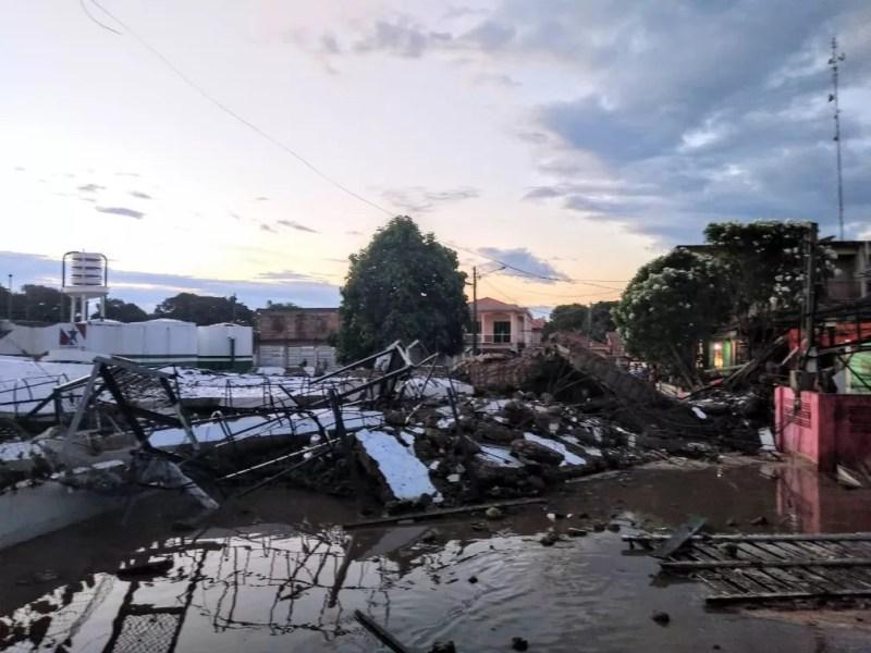 Escombros do reservatório de água recém construído em Almeirim — Foto: Reprodução/Redes Sociais