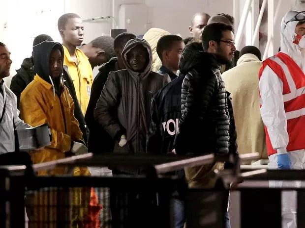 Depoimentos dos sobreviventes ajudaram a definir o número de mortos (Foto: REUTERS/Alessandro Bianchi)