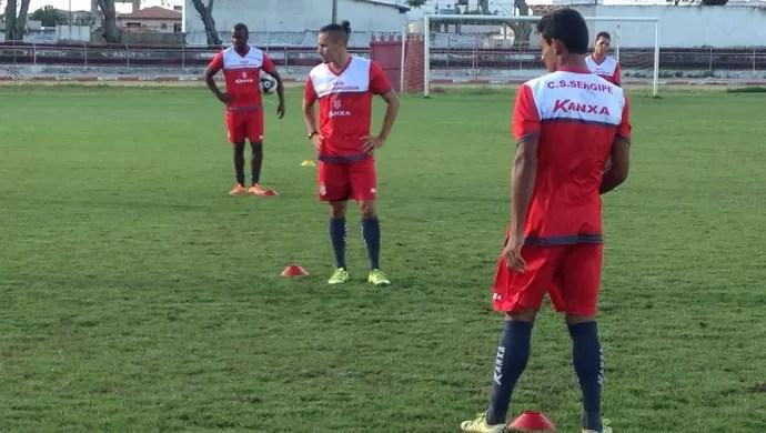 Sergipe terá improviso na lateral esquerda (Foto: Felipe Martins/CSS)