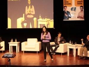 Saber ouvir as pessoas que estão ao seu lado é uma das dicas dadas por Bel Pesce, que com 25 anos de idade foi eleita uma das cem pessoas mais influentes do Brasil, em 2012 (Foto: Daniel Martins/Divulgação)