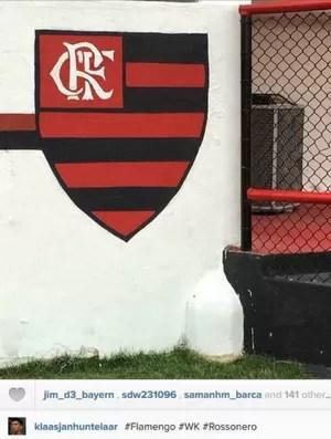 Huntelaar publica foto do escudo do Flamengo na Gávea (Foto: Reprodução)