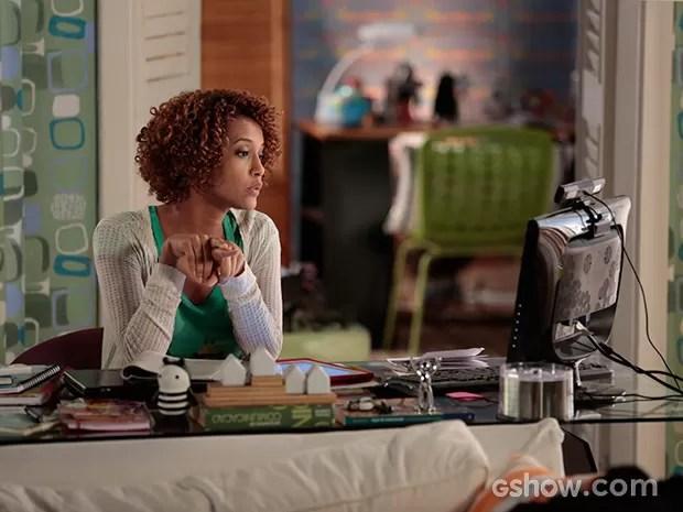 Verônica decide aceitar a oferta de trabalho de Débora (Foto: Felipe Monteiro / TV Globo)