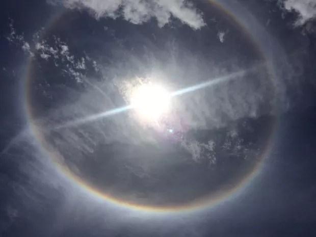 Fenômeno halo solar chama atenção de banhistas em Matinhos 2