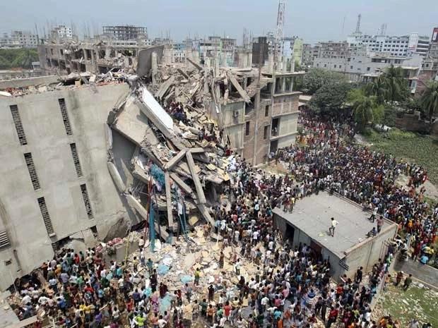 Prédio de oito andares sofreu colapso e desabou em Bangladesh (Foto: A.M. Ahad / AP Photo)