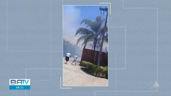 Hóspedes e funcionários tiveram que sair correndo — Foto: Reprodução/TV Bahia