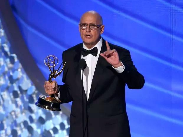 Jeffrey Tambor ganha como melhor ator em comédia por 'Transparent' (Foto: Mike Blake/Reuters)