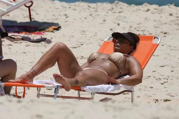 AGN_1456633 - Rio de Janeiro, BRASIL  - Viviane Araujo na Praia da Macumba no Rio de Janeiro .Pictured: Viviane AraujoAgNews 14 JANEIRO 2019 BYLINE MUST READ: Agnews / AgNews Xico Silvatelefone: (21) 98240-2501email: agnews.fotografia@gmail.com (Foto: Agnews / AgNews)