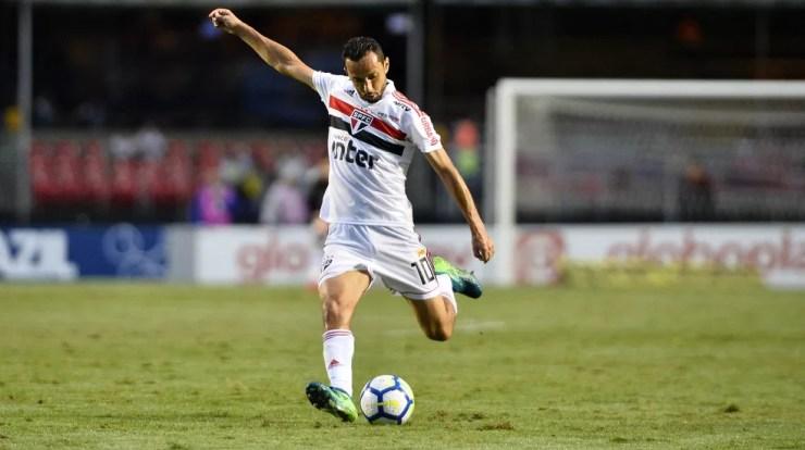 Nenê começou como titular no duelo contra o Grêmio — Foto: Marcos Ribolli