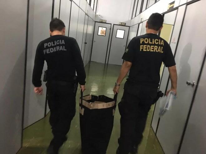 Material apreendido por agentes da Polícia Federal durante 2ª fase da operação Farra do Tesouro — Foto: Divulgação/Polícia Federal