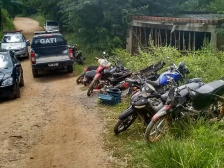 Motocicletas apreendidas em Vitória e no Cabo (Foto: Ascom PMPE/Reprodução WhatsApp)