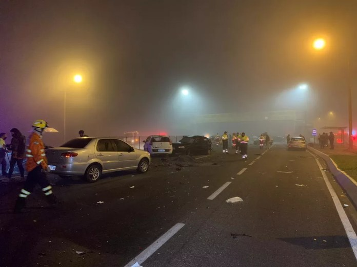 Tragédia na BR-277 envolveu 22 veículos, segundo a Polícia Rodoviária Federal  — Foto: Cícero Bittencourt/RPC