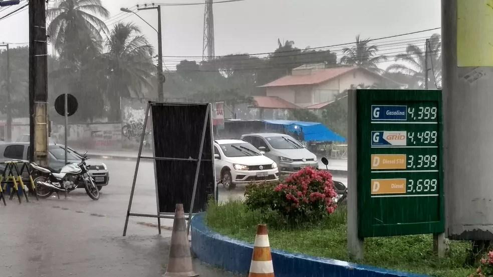 No Turu, posto que cobrava R$ 3,89 no litro do diesel comum antes da greve dos caminhoneiros está cobrando R$ 3,69. Redução de 20 centavos. (Foto: Rafael Cardoso/G1 MA)