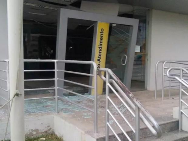 Bandiso explodiram o cofre do Banco do Brasil de Orocó (Foto: Divulgação / Polícia Militar)
