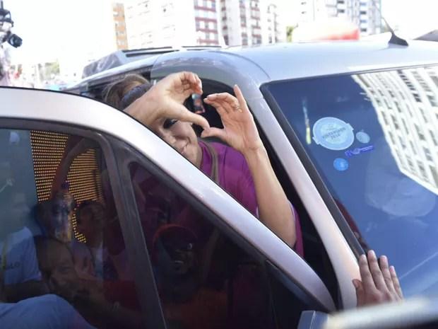 Ivete Sangalo chega para o carnaval (Foto: Elias Dantas/Ag. Haack)