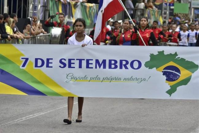 Desfile de 7 de Setembro em Natal — Foto: Pedro Vitorino
